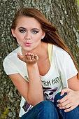 kisses-1039533_640.jpg