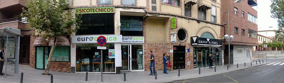 Vista de la calle del Psicotécnico Rubido en Las Rozas para la renovación del carnet de conducir