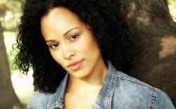 Alexandra Gutierrez as Sara