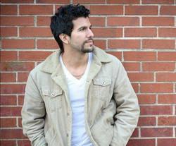Gabriel Sloyer as Gary