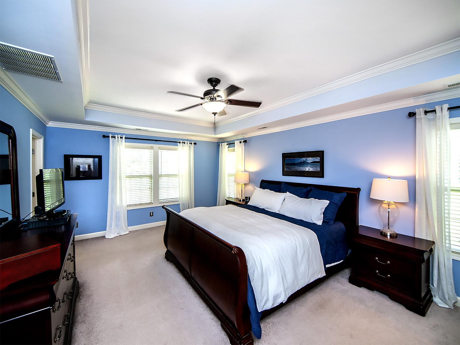 19  Master Bedroom