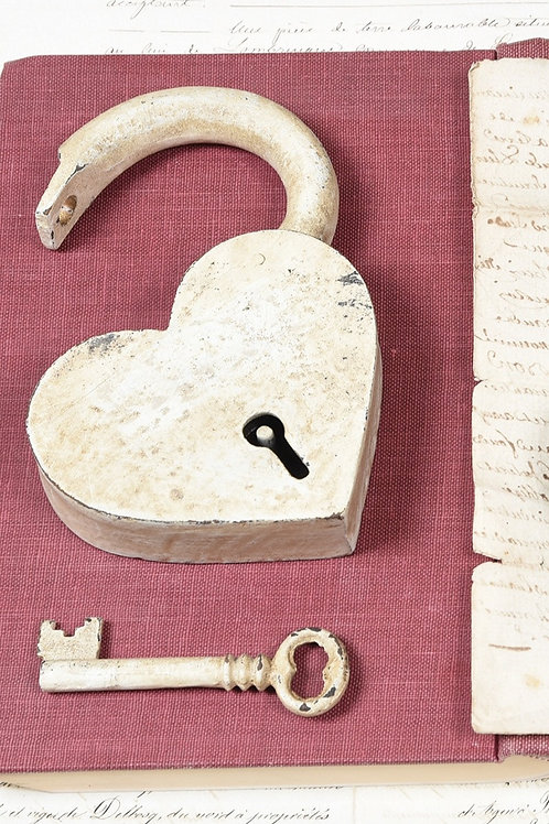 Rustic White Padlock Heart with Key