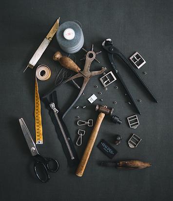 outils pour cordonnier montreal.png