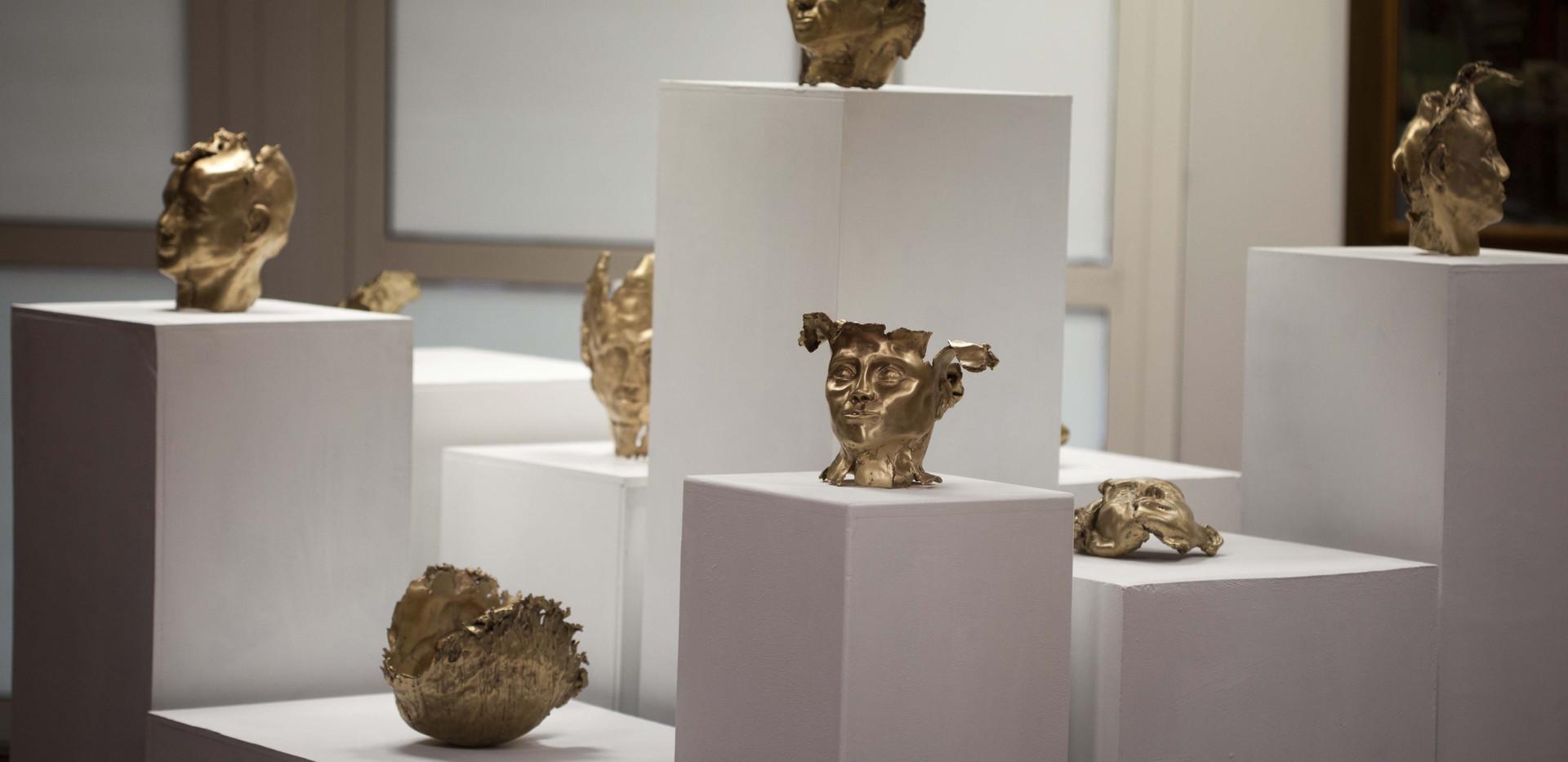 De_la_série_-Otages-___bronzes,_25x20x20
