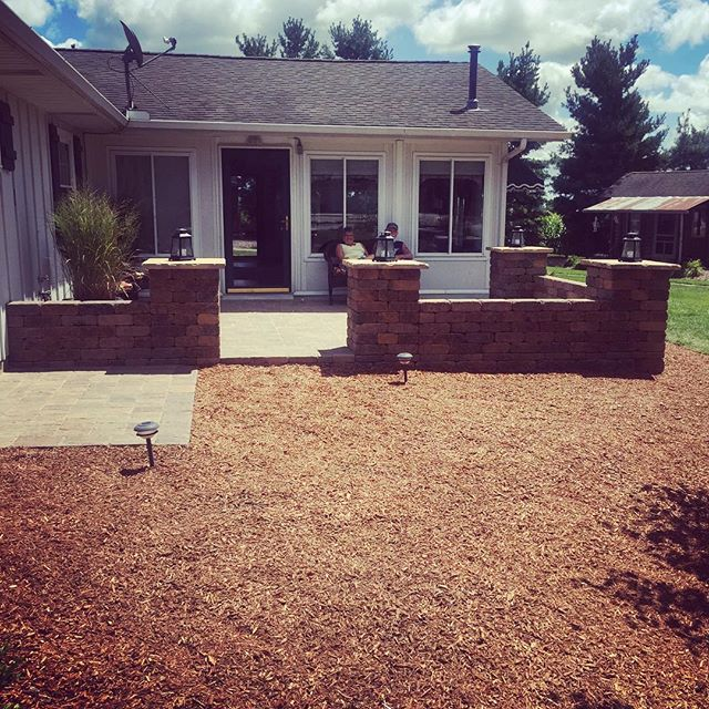 #outdooredgelandscapemanagment #happycustomers