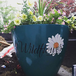 Planter we made for _wildflowerboutiqueys this spring, thanks _xtremegraphicsoh for the decal #outdo