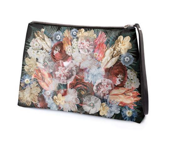 Clutch bag @ Contrado
