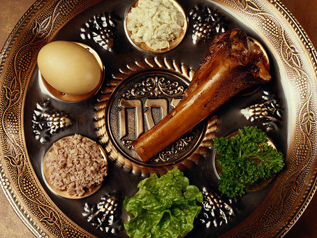 Join Us For a Pesach Seder Led by Rabbi Aaron Benson
