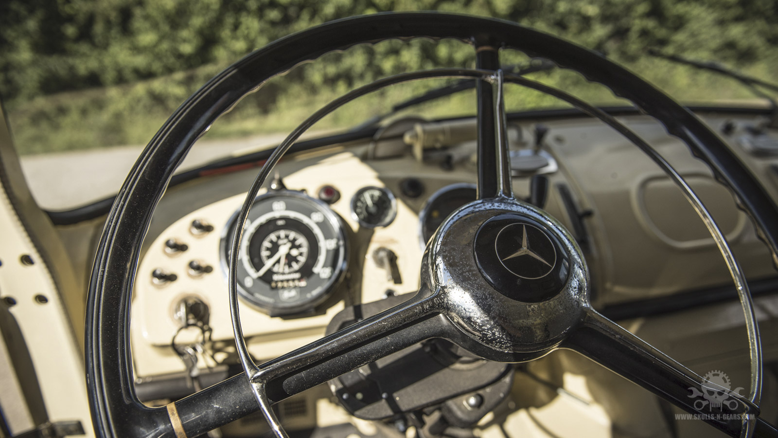 Mercedes LA 710-34