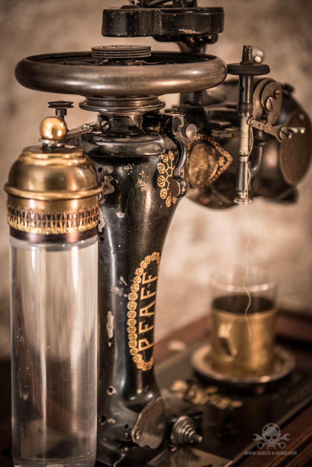 Steampunk_Coffee_Machine-18