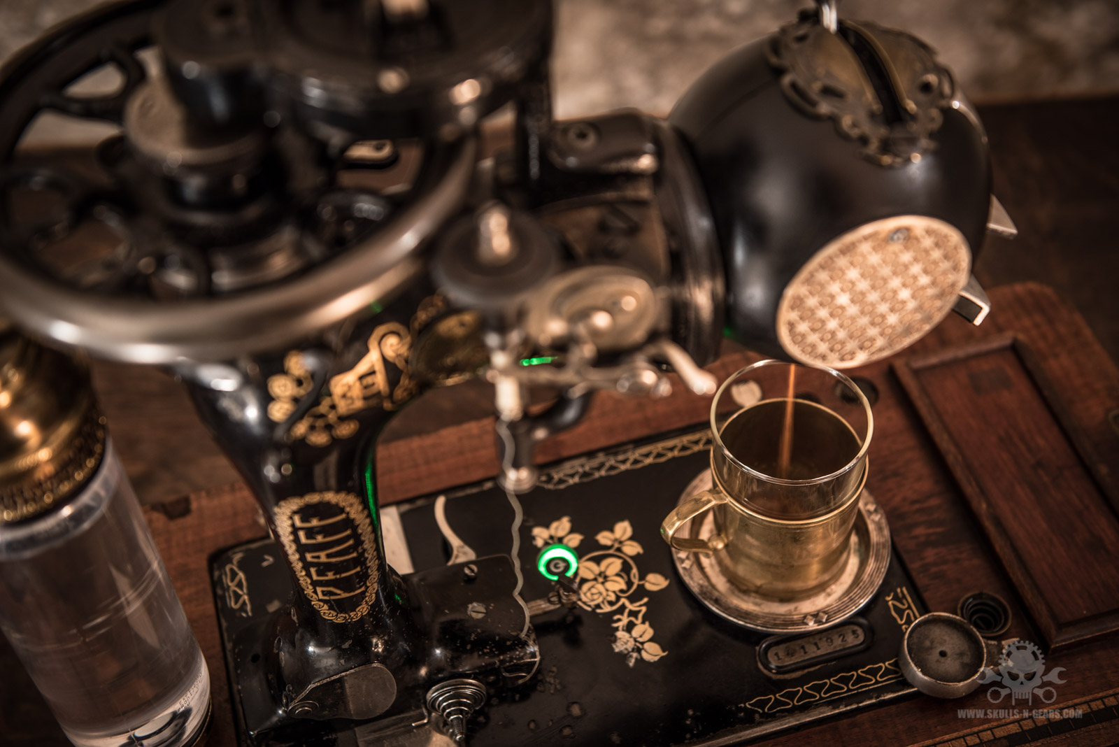 Steampunk_Coffee_Machine-22