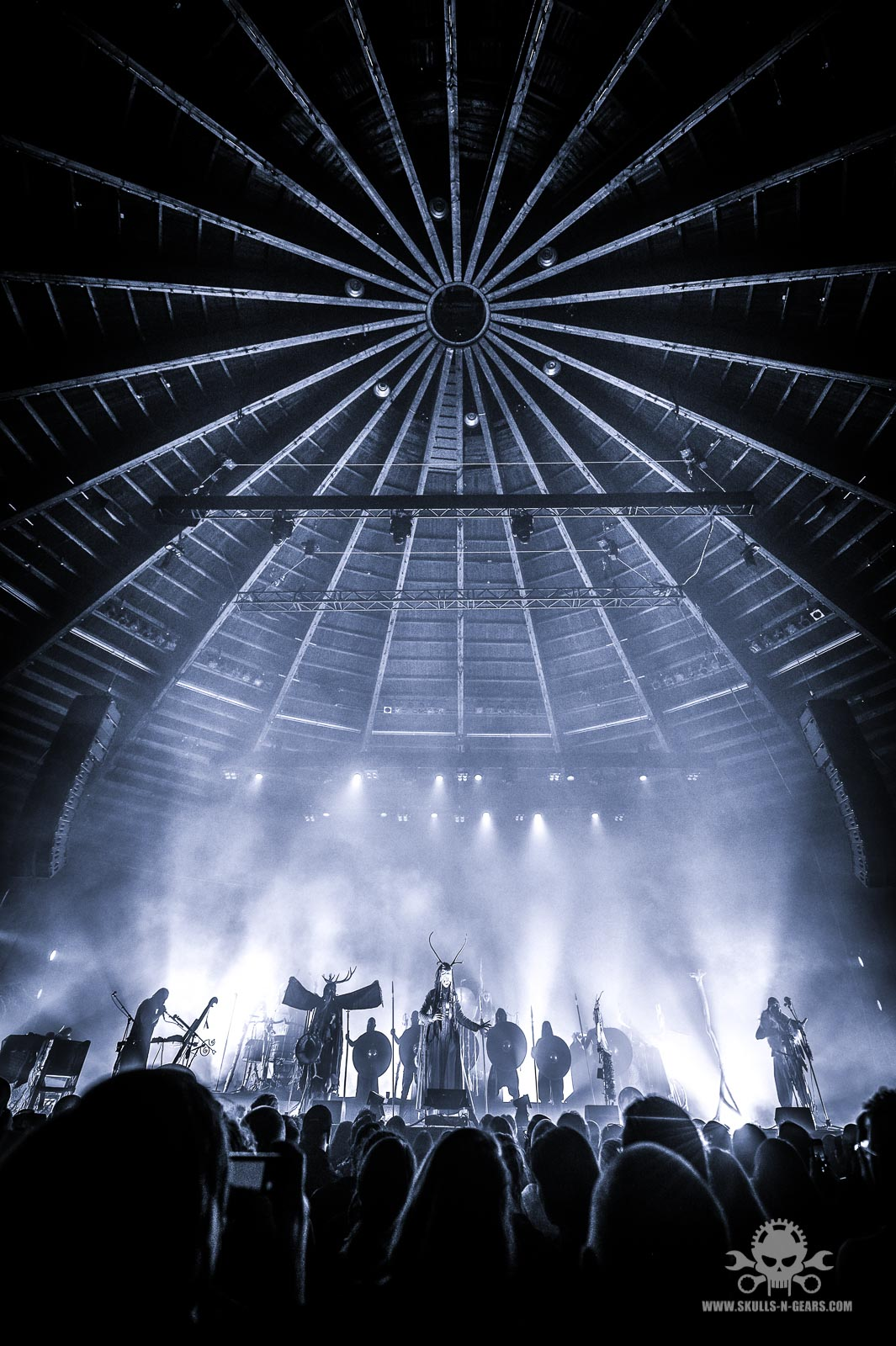 HEILUNG - Circus Krone-308