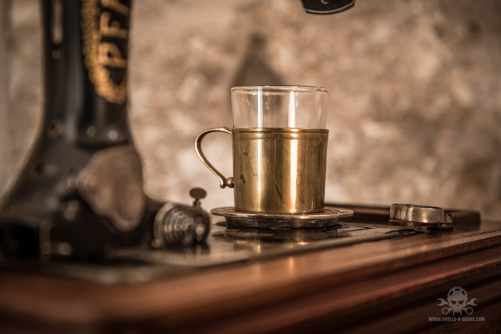Steampunk_Coffee_Machine-6