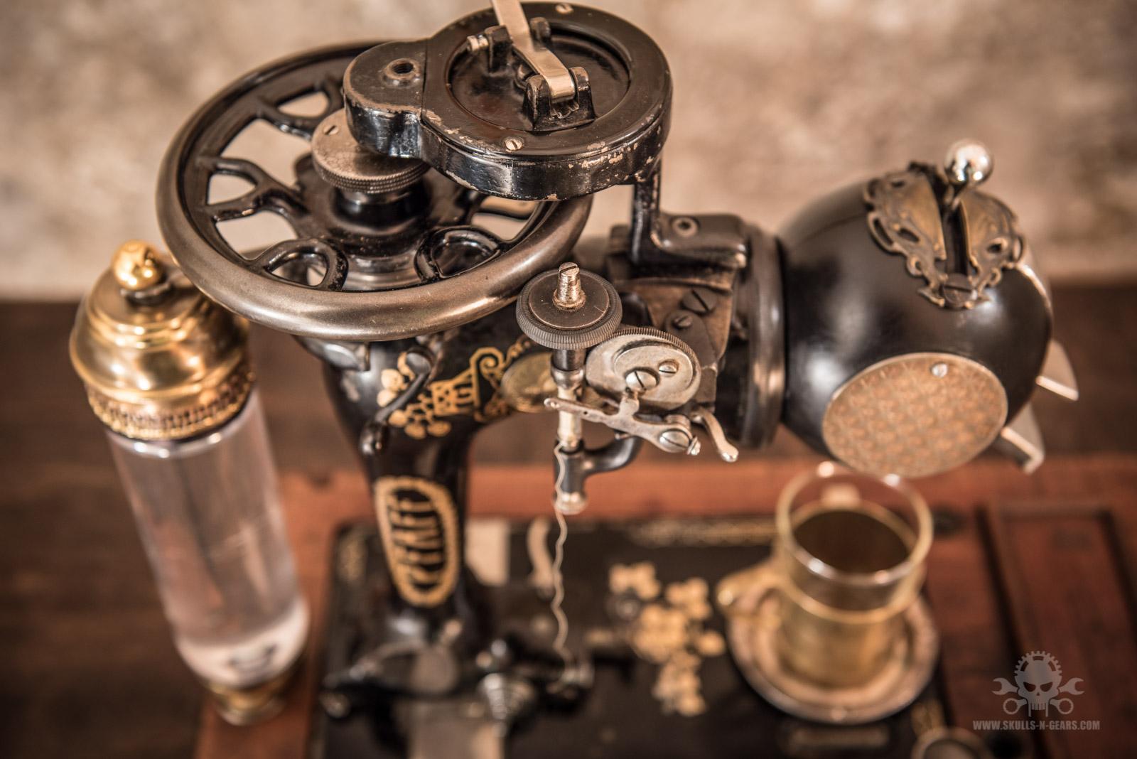 Steampunk_Coffee_Machine-12