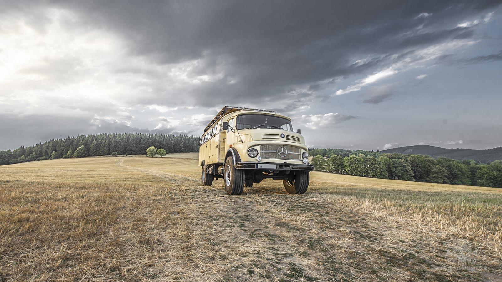 Mercedes LA 710-75