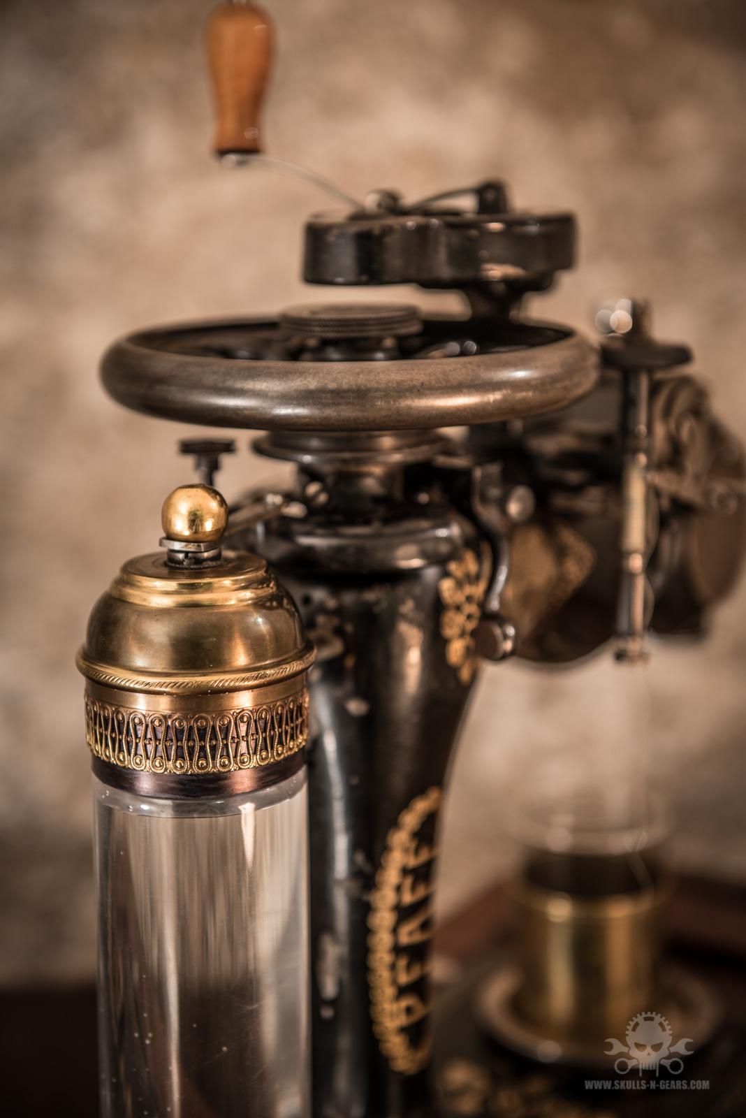 Steampunk_Coffee_Machine-4