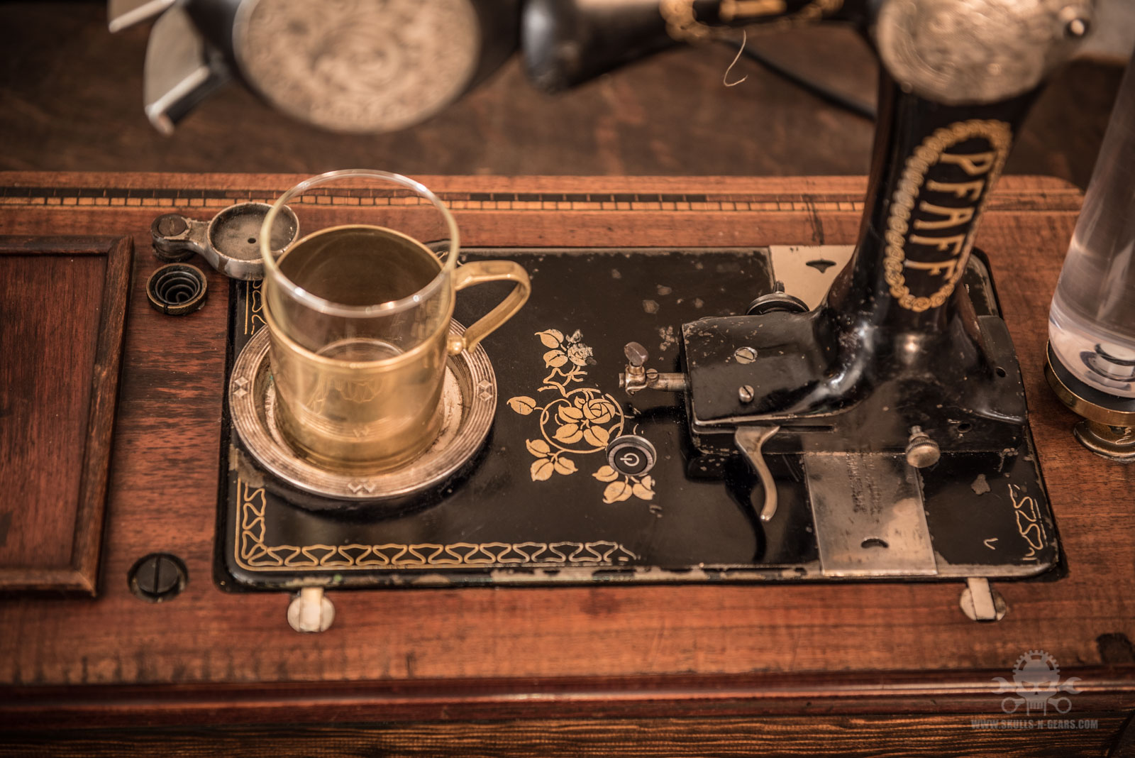 Steampunk_Coffee_Machine-11