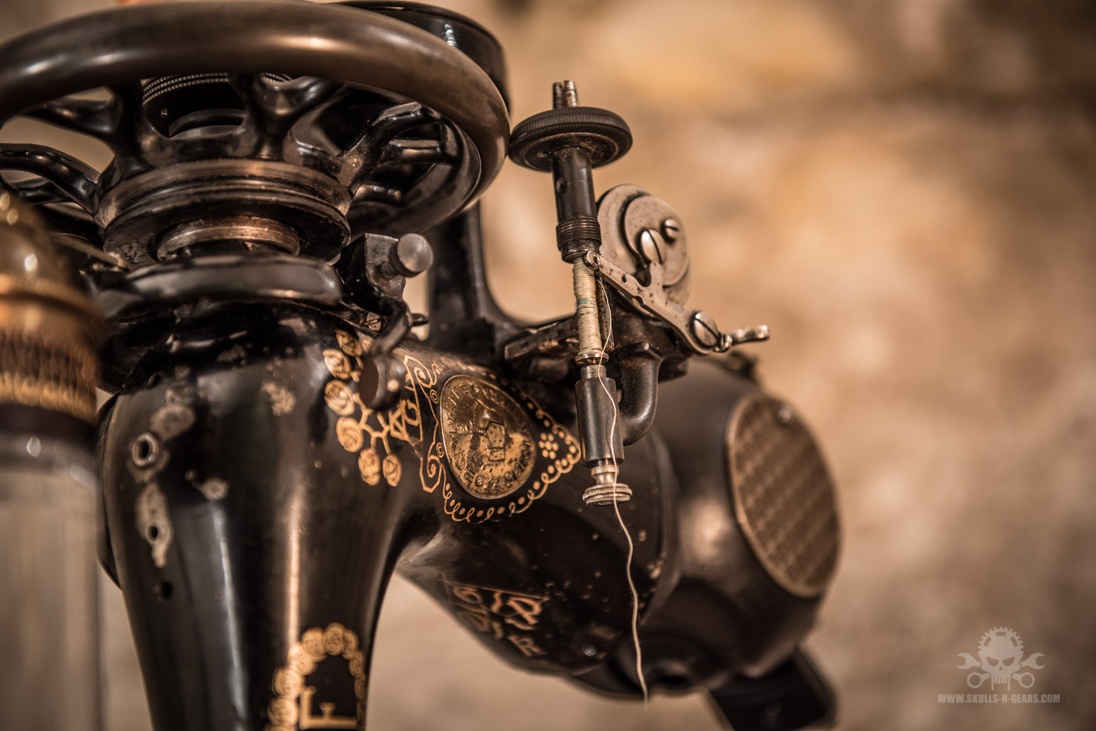 Steampunk_Coffee_Machine-5