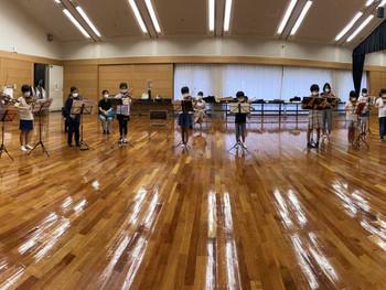 駒ヶ根子どもオーケストラ みんなが好きな曲を練習