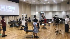 """《東京ホワイトハンドコーラス """"距離""""をとりながら心は一つに練習》"""