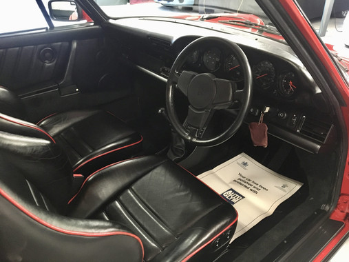 Red Porsche 911 Carrera Interior