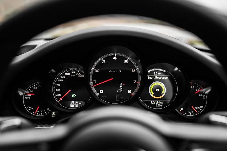 porsche_911_turbo_s_coupe_24-min.jpg