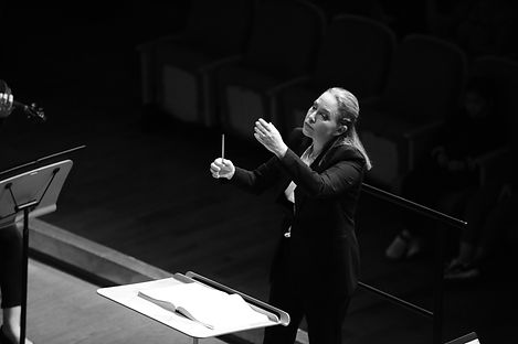 Talia Conducts the Guiyang Symphony Orch