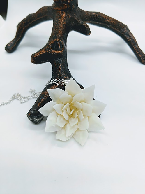 Florida Spotted Garfish Scale Flower Necklace