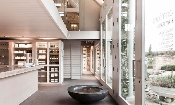 1_COTSWOLDS_Haybarn-Day-Spa-Interior-Ent