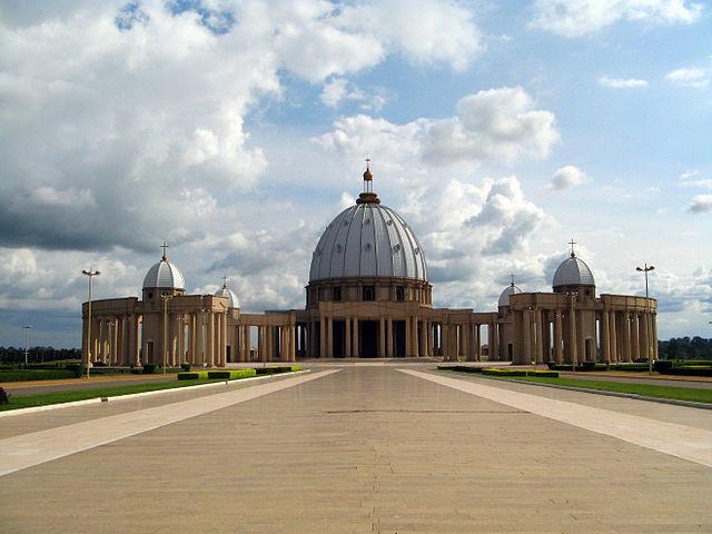 Basilique de Notre-Dame de la Paix à Yamoussoukro
