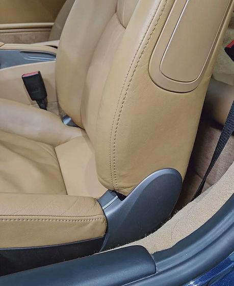 rénovation de cuir de voiture à Paris : siège, volant, portières