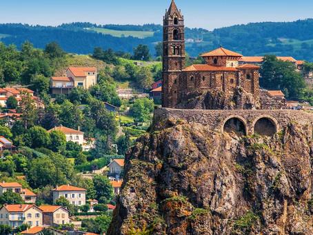 Tourisme au Puy-en-Velay : Lieux à visiter, activités à faire.