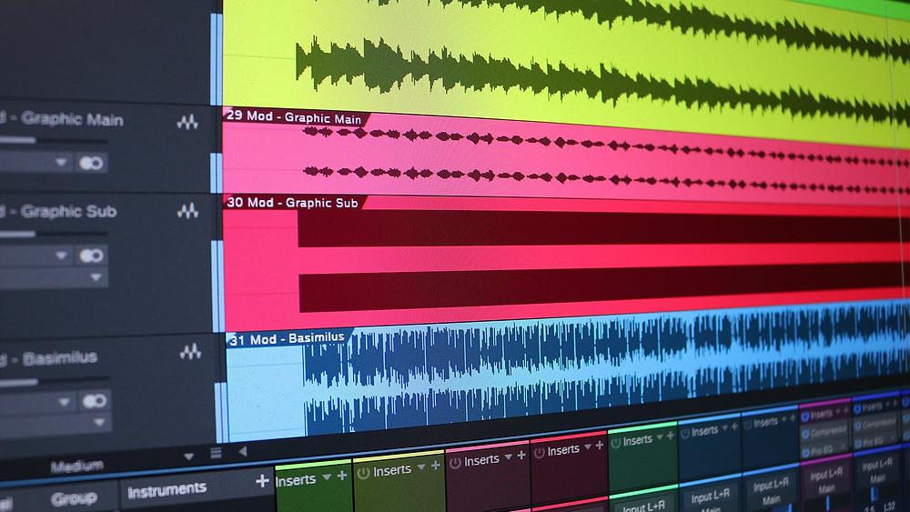 musique et voix off de video motion design
