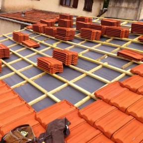 travaux de toiture en cours