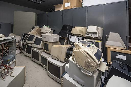 debarras de bureaux, materiel informatique, archives