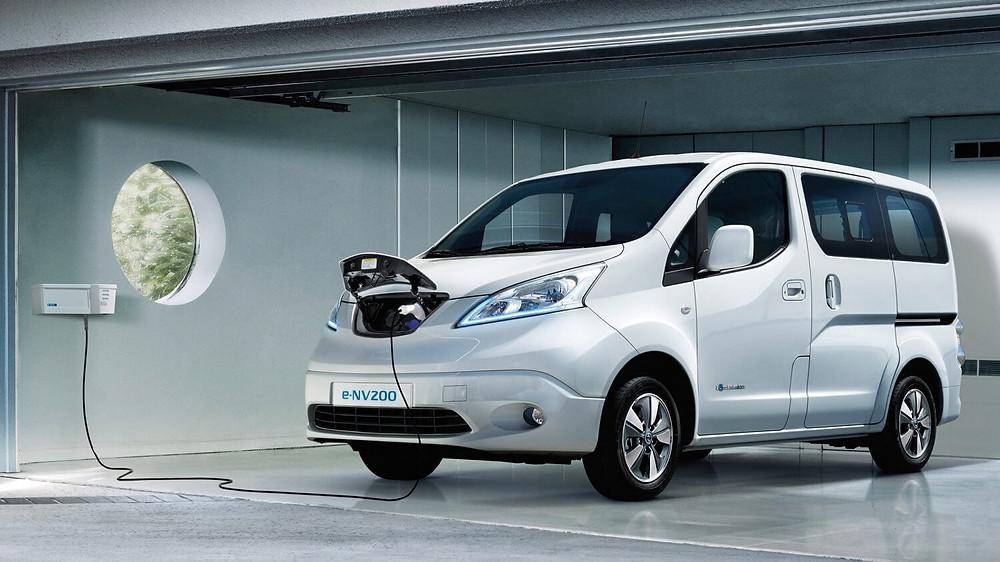 utilitaire électrique nissan env200