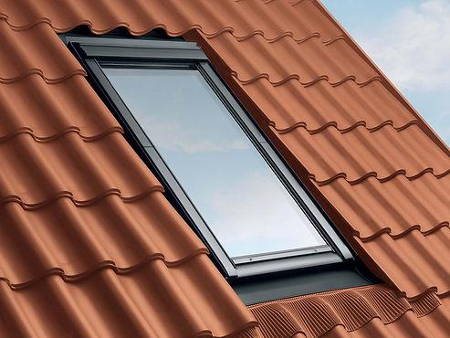 Pose de velux et entretien de fenêtre de toit sur marseille