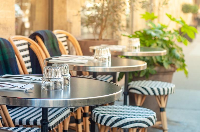 Mobilier de terrasse de restaurant