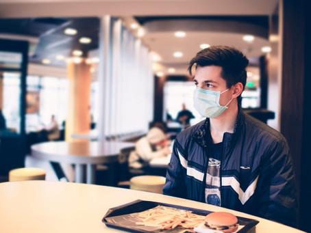 Réouverture des restaurants en janvier, les astuces pour y manger en sécurité.