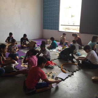 Oficina com a Associação Novo Olhar, na Vila Itororó. Fotos: Pistache Editorial