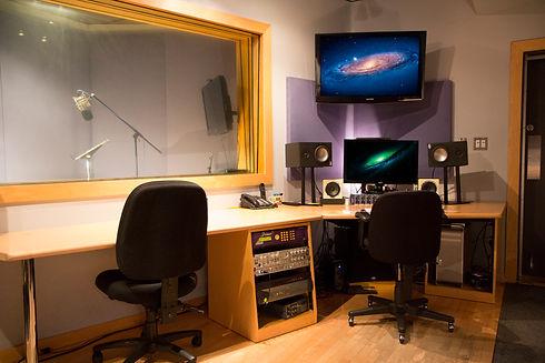 StudioB_Control_s.jpg