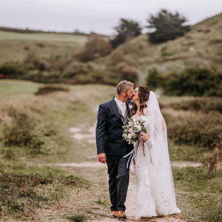 Real wedding - Boho Marquee wedding in Cornwall