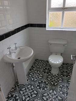 Bathroom,metro tiles with black border