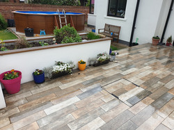 Outdoor wood efect porcelain tile