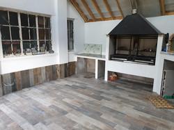Summer kitchen,porcelain wood efect floo