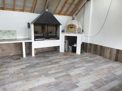 Summer kitchen,porcelain tile wood efect