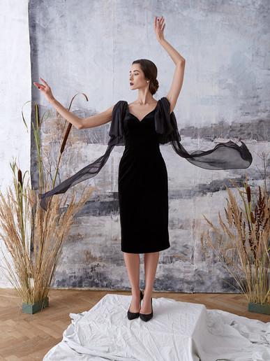 """""""Bombshell"""" velvet dress"""