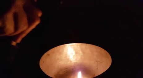 Harmonische tibetanische Klangschalen & Feuer