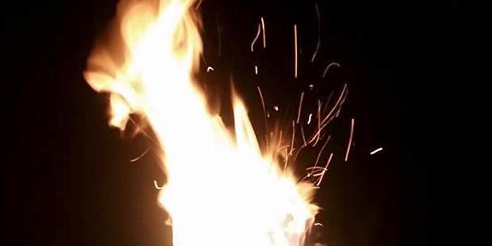 Feuerzeremonie zu Ehren des Vollmond- und Frühlingsäquinoktiums