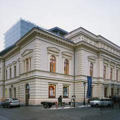 vörösmarty theater
